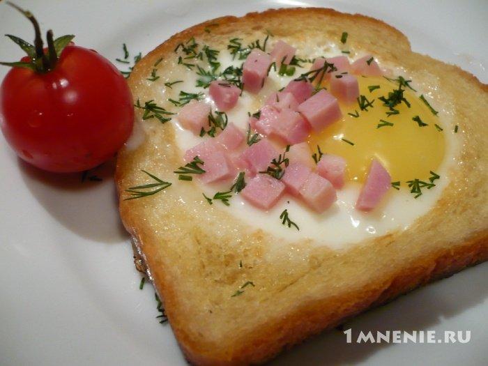 Рецепт гренки с яйцами и колбасой